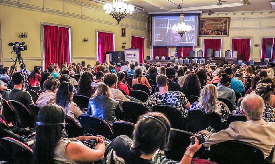 Seminário Internacional - Drogas e Dependências: Paradigmas e Controvérsias